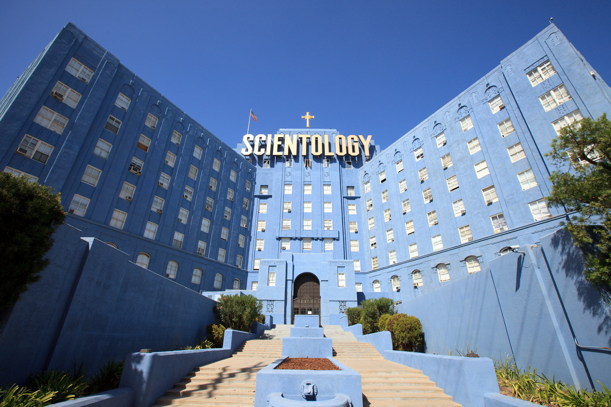 how to become a scientologist